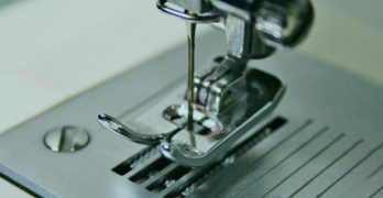10 Best Lightweight Sewing Machines for Quilting in 2018