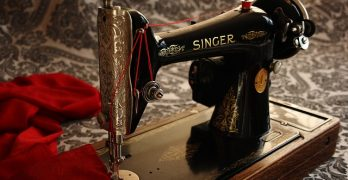 Close up photo of a singer sewing machine